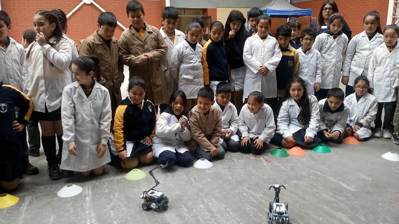 Primera muestra de robótica en escuela Luis Alberto Acevedo,